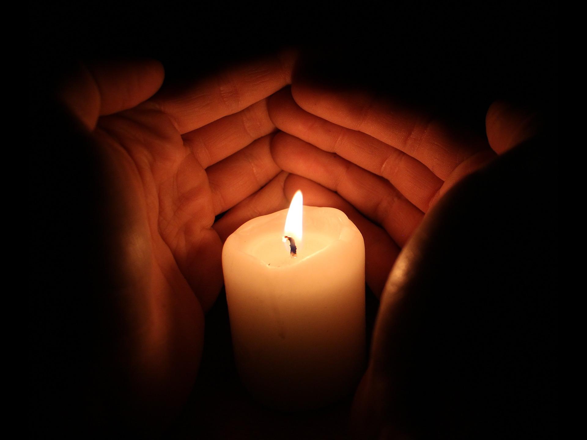 fotografía de una vela para seguro de decesos